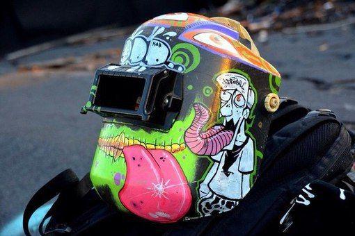 Рисунок на сварочной маске своими руками 35