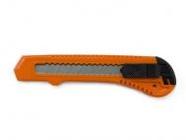 Нож пистолетный с выдвижным лезвием 18мм STARTUL STANDART (ST0930)